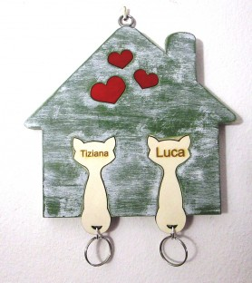 Wooden kittens house key...